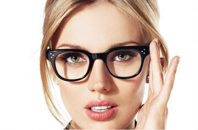 glasses-woman-beautiful-wework-dc-tech-social-driver